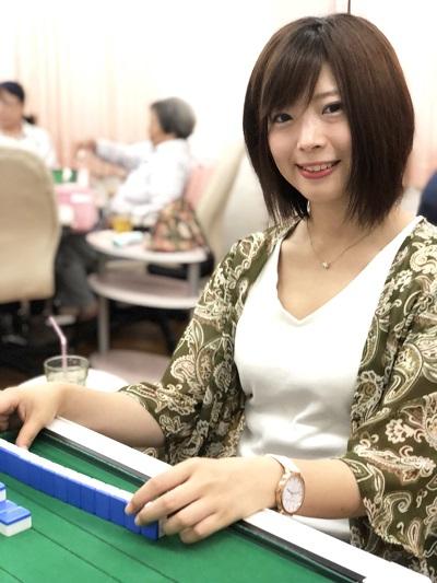 フリー麻雀ひまわりスタッフ 中野ありさプロ(最高位戦日本プロ麻雀協会)