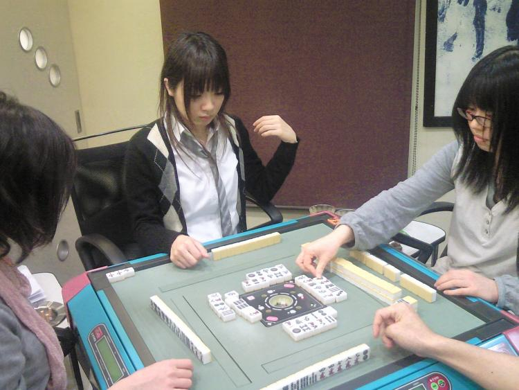 雀荘 TENPAI 高槻店の写真3