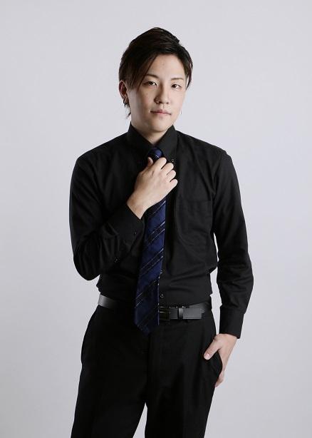 フリー麻雀 雀Heartスタッフ 当店専属の日本プロ麻雀連盟鈴木涼太プロ(^^)