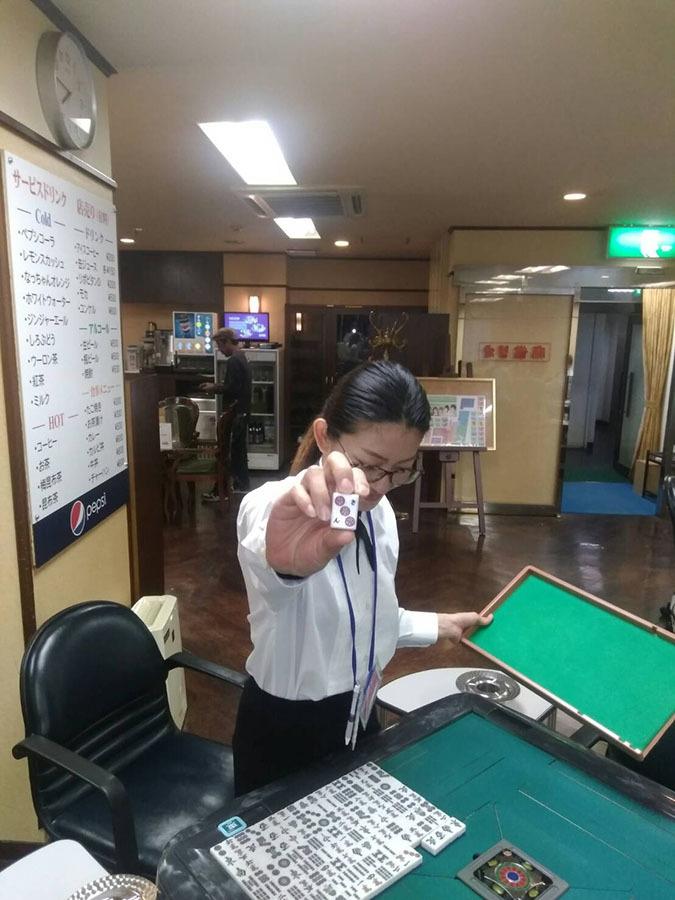 麻雀カボ 熊本店スタッフ 看板娘の坂下あきさん☆
