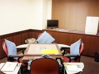 雀荘 麻雀夢道場 札幌店 [貸卓(2F) 麻雀教室・サロン(3F)]の写真4