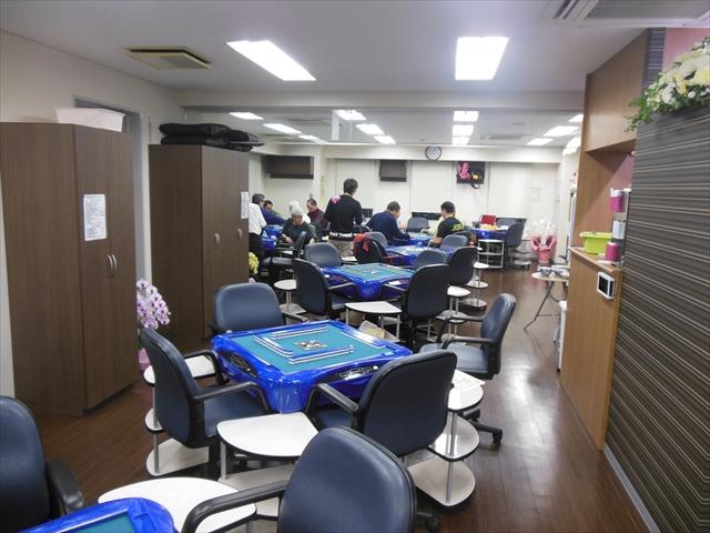 雀荘 健康マージャン・居酒屋麻雀 ガラパゴス 高田馬場店の店舗写真1