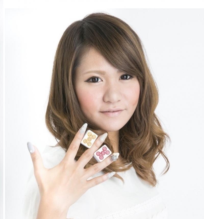 麻雀クランキースタッフ 日本プロ麻雀連盟の富村つぐみです!麻雀はお手柔らかにお願しますね♡ お店のブログもぜひ見てくださいね♡