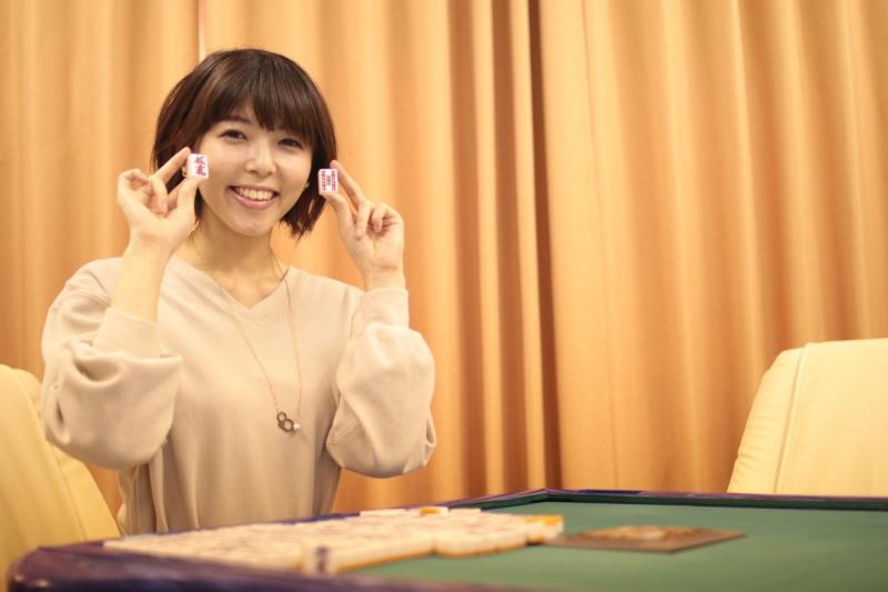 まーじゃんカフェ キャナリィスタッフ 日本プロ麻雀連盟 中部本部所属 羽川えりかです♪店長を務めています!